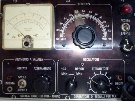 oscillatore per FM + volmetro elettronico.